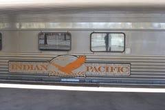Kollektivtrafik med det långdistans- indiska Stillahavs- drevet, Australien Royaltyfri Foto
