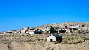 Kolmanskop spökstad som sjunker i sandhavet, Namibia Royaltyfria Bilder