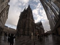 Kolońska katedra od przodu obraz stock