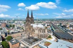Kolońska linia horyzontu z katedr Dom fotografia royalty free