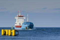 Kolobrzeg - o navio na estrada Fotos de Stock Royalty Free