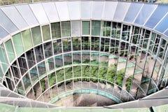 Ökologisches modernes Gebäude. Stockbild