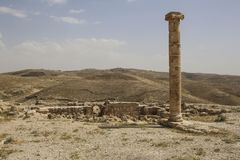 Kolom in de Herod-Kasteelruïnes, Machaerus, Jordanië Plaats van exec stock foto