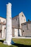 Kolom en achtereind van Aquileia-Basiliek royalty-vrije stock afbeelding