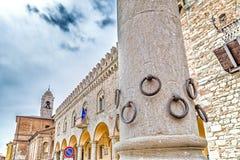 Kolom van de Ringen in Bertinoro Stock Foto's