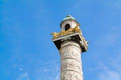 Kolom van Karlskirche, Charles Church, in Wenen, Oostenrijk Stock Afbeeldingen