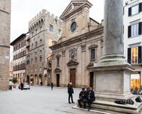 Kolom van Rechtvaardigheid en Basiliek Santa Trinita Royalty-vrije Stock Foto's