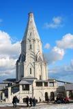 Kolomenskoye公园老建筑学 结构上上生教会合奏kolomenskoye莫斯科 免版税库存照片