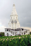 Kolomenskoye公园老建筑学 结构上上生教会合奏kolomenskoye莫斯科 免版税图库摄影