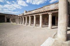 Kolommen in binnenplaats van een RomanVilla in Pompei Royalty-vrije Stock Afbeeldingen