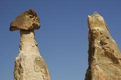 Kolommen in Cappadocia Stock Foto