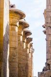 Kolommen in de tempel Karnak in Luxor, Egypte royalty-vrije stock fotografie