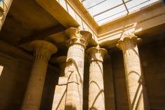 Kolommen in de Tempel van Philae, Tempel van ISIS stock foto