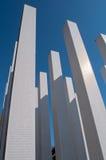 Kolommen die zich in de hemel uitrekken Stock Fotografie