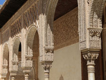 Kolommen in Islamitische (Moorse) stijl in Alhambra, Granada, Spanje Royalty-vrije Stock Afbeelding