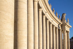 Kolommen op St Peter& x27; s Vierkant, de Stad van Vatikaan, Italië Stock Foto's