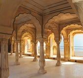 Kolommen in paleis - Jaipur India Royalty-vrije Stock Afbeeldingen