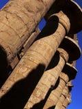 Kolommen in tempel Karnak Stock Afbeeldingen