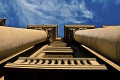 Kolommen van Architectuur. Hemel. Royalty-vrije Stock Afbeeldingen
