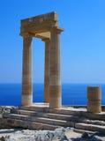 Kolommen van de akropolis in lindos Rhodos stock foto's
