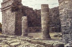 Kolommen van de Mayan tempels stock afbeelding
