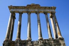 Kolommen van de Tempel van Saturnus in Rome Royalty-vrije Stock Afbeeldingen