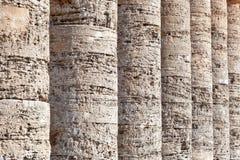 Kolommen van Griekse tempel van Segesta, Sicilië Royalty-vrije Stock Fotografie