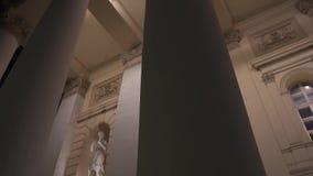 Kolommen van het Grote ` Theater van Bolshoi ` van Ballet en Opera bij nacht, Moskou stock videobeelden