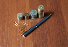 Kolommen van muntstukken Stock Afbeeldingen