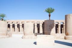 Kolommen van Tempel Karnak stock afbeeldingen