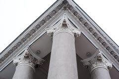 Kolommen voor gebouwen in de Ionische stijl Royalty-vrije Stock Foto