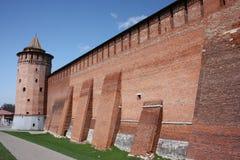 Kolomna Kremlin en la región de Moscú. Pared de Kremlin Imagenes de archivo