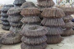 Kolomstijgbeugels Een te gebruiken staalstructuur Gietend concreet pi Stock Foto