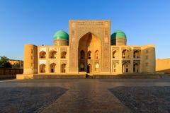 Kolon清真寺,布哈拉,乌兹别克斯坦看法日落的 库存照片
