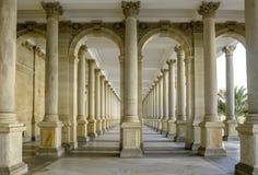Kolonada van Mlynska van de molencolonnade in Karlovy varieert Thermal spa in Karlovy varieert Tsjechische Republiek Royalty-vrije Stock Afbeelding