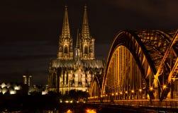 Kolonia, Niemcy w nocy Zdjęcia Royalty Free