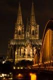 Kolonia, Niemcy w nocy Obraz Royalty Free