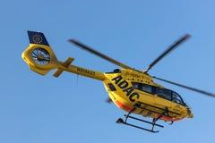 Kolonia nrw, Germany,/- 22 02 19: adac sanitariusza ratuneku helikopter przy cologne Bonn lotniskiem Germany zdjęcia stock