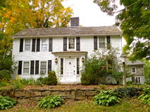 Koloniaal huis in Connecticut stock afbeelding