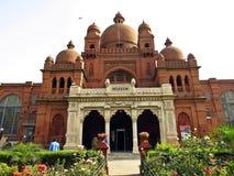 koloniaal Lahore-Museum, Lahore, Pakistan stock afbeeldingen