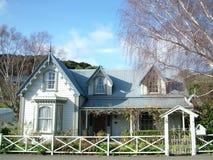 Koloniaal Plattelandshuisje Royalty-vrije Stock Foto's
