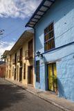 Kolonial arhitecture i Honda Colombia royaltyfria bilder