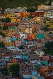 Kolonial färgrik folkmassastad och byggnader av silver som bryter historia, Guanajuato, Mexico, amerikan arkivbild
