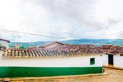 Koloniala buidlings i gatorna av Barichara - Colombia royaltyfria foton
