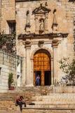 Koloniala fasader i den historiska mitten Arkivfoto