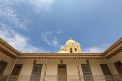 Koloniale Architectuur en kerk in Trujillo Royalty-vrije Stock Afbeelding