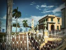 Koloniale kathedraal en klokketoren in Trindad Stock Fotografie