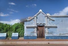 Kolonialfassadenhaus lizenzfreies stockfoto