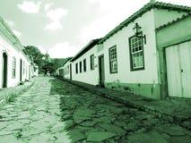 Kolonialhäuser mit ihren Steinstraßen lizenzfreies stockbild