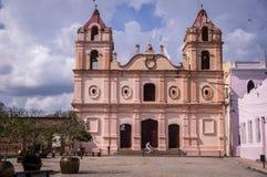 Kolonialkirche in Camaguey, Kuba lizenzfreies stockfoto